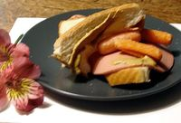 carrot and bologna sandwich