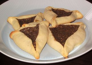 hamentaschen with poppyseed filling
